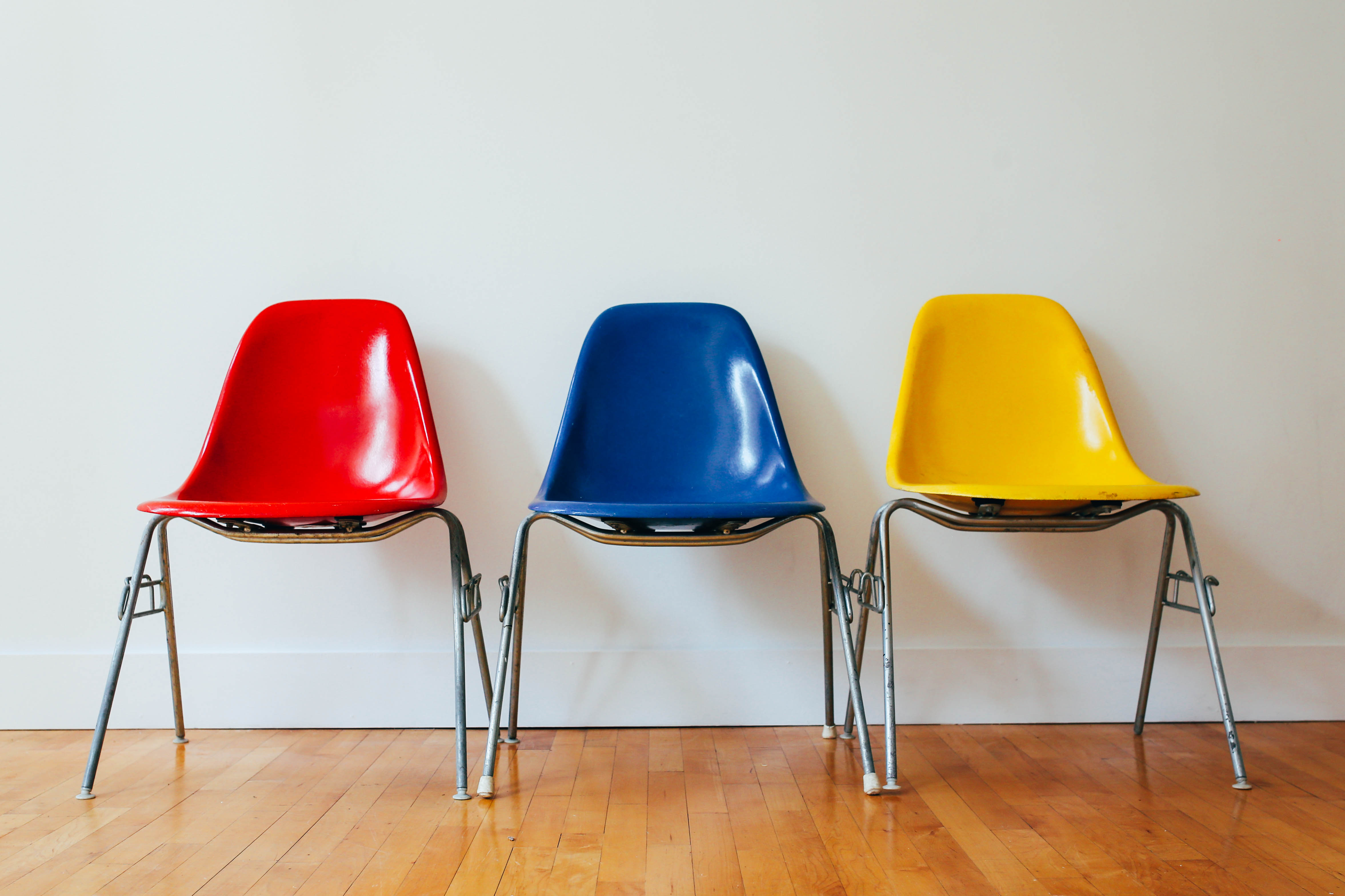 colorful chairs, individualize merchandise, unique, millennials, variety, marketing to millennials, selling to millennials, garden media group