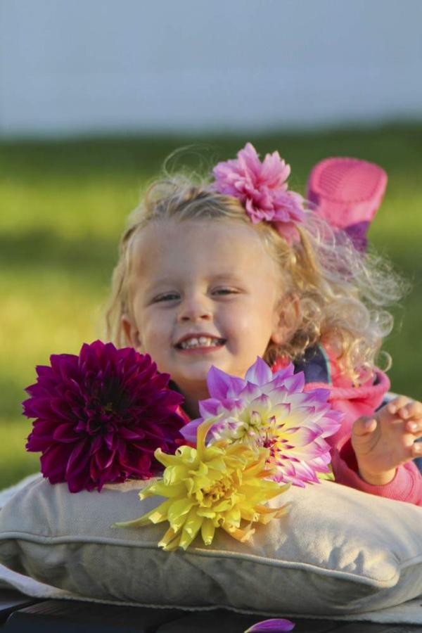 selfie, garden brand, public relations, garden business, longfield gardens