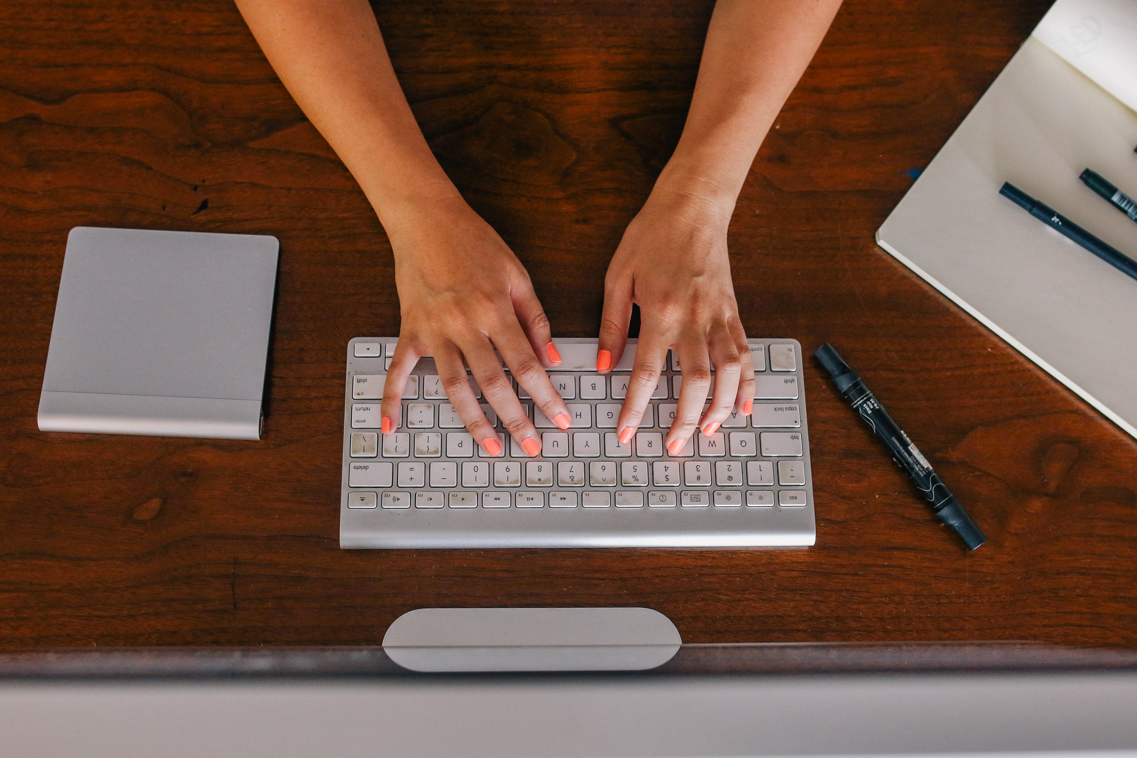 pitching, typing, garden media group, pitching journalists, media relations, garden business