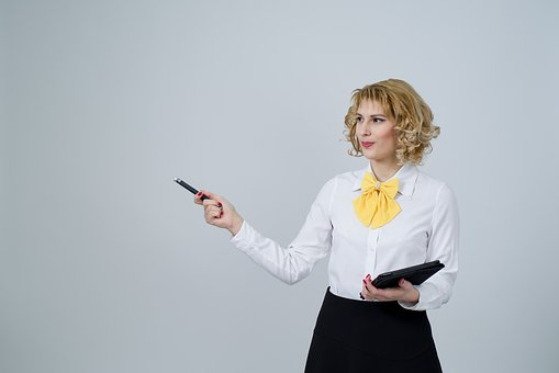 business-woman-2071342__340.jpg