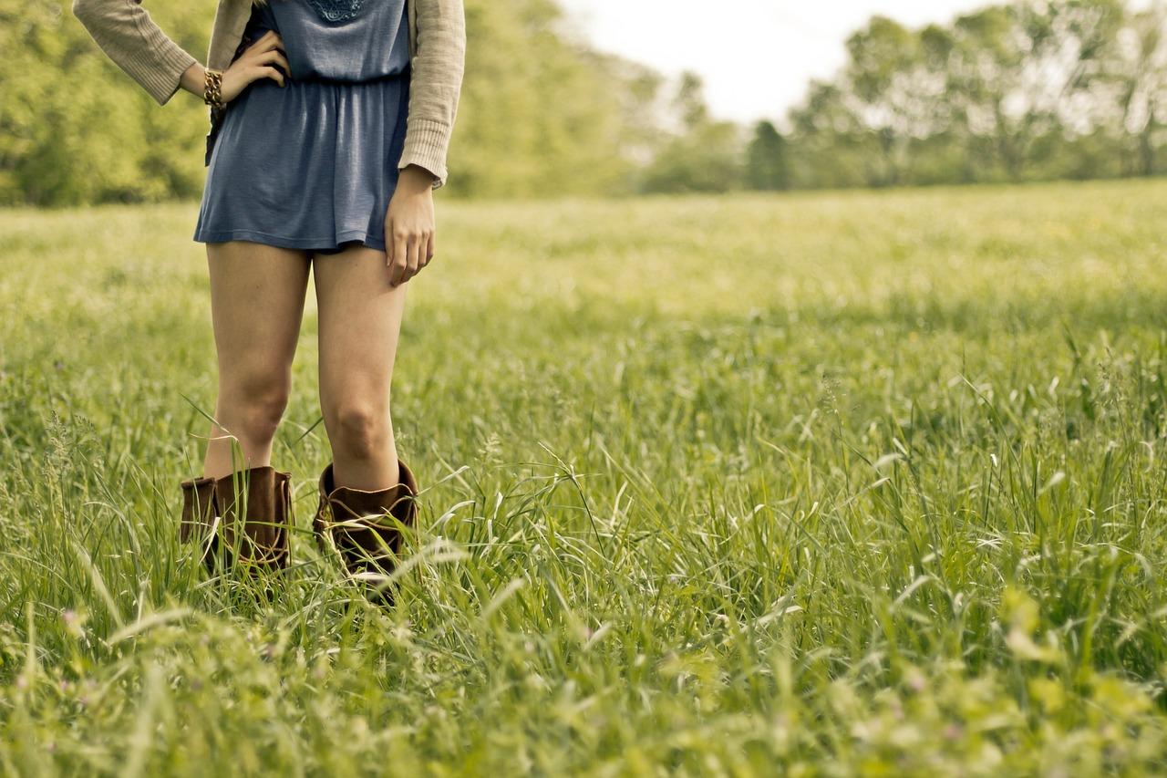 countrygirl-349923_1280.jpg