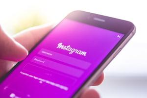 instagram-app-login-splash-screen-logo-on-iphone-picjumbo-com-1