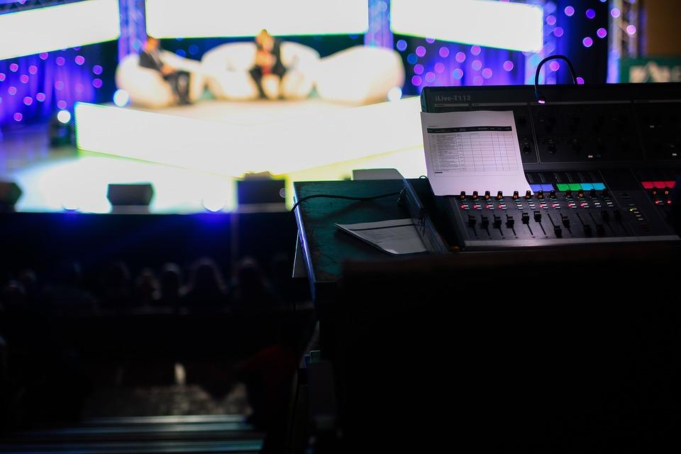 talk-show-1149788_960_720.jpg